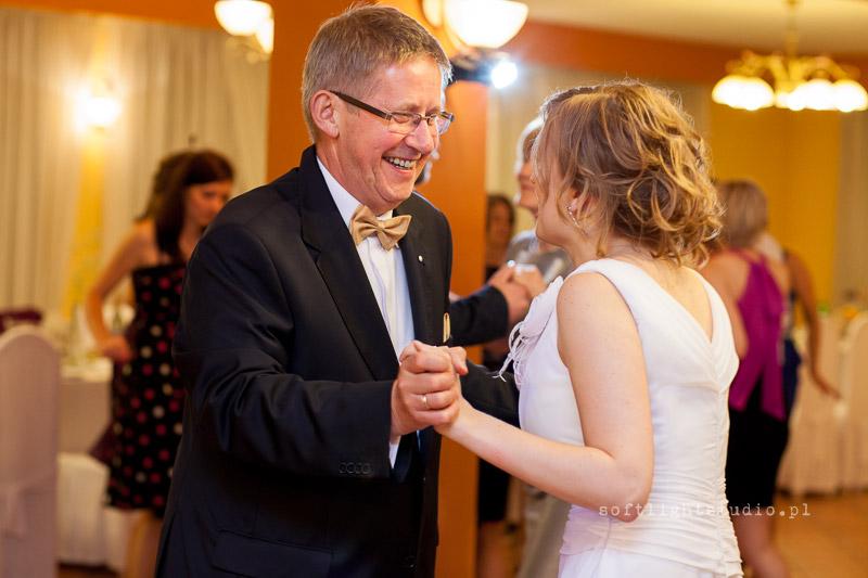Fotografia z reportażu ślubnego Izabeli i Jakuba